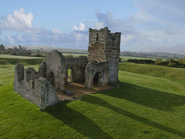 Knowlton Church_Bournemouth.cz
